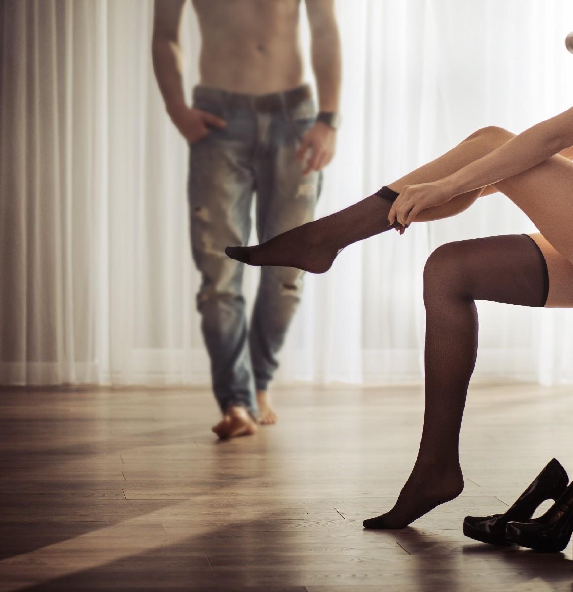 Frau betrügt mich, Frau hat mich betrogen, Frau Affäre, monogamie, Polygamie erlaubt, mehrere Männer lieben, Sex Moral
